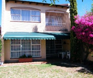 R 720,000 - 3 Bed Property For Sale in Dagbreek