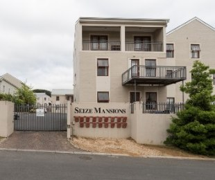 R 1,550,000 - 2 Bed Flat For Sale in Klein Welgevonden