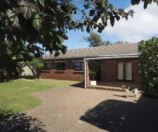 R 2,175,000 - 4 Bed Home For Sale in Southfield