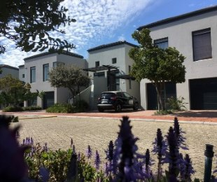 R 4,295,000 - 3 Bed House For Sale in Century City