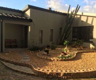 R 2,450,000 - 4 Bed House For Sale in Parow
