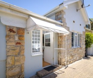 R 2,985,000 - 3 Bed House For Sale in Muizenberg
