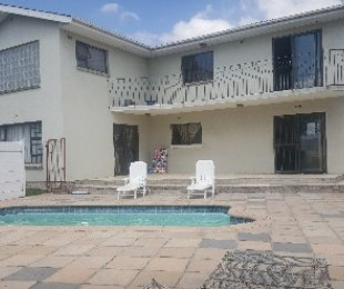 R 2,200,000 - 5 Bed Property For Sale in Bellville South