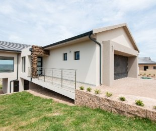 R 3,380,000 - 3 Bed House For Sale in Hartenbos