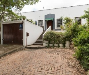 R 2,425,000 - 2 Bed House For Sale in Die Boord