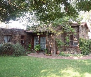 R 7,000 - 2 Bed Smallholding To Rent in Halfway Gardens