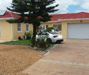 R 1,995,000 - 3 Bed House For Sale in Zeekoevlei