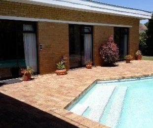 R 3,799,000 - 4 Bed Home For Sale in Bergvliet