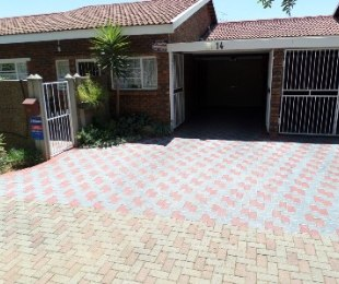 R 770,000 - 3 Bed Property For Sale in Flamingo Park