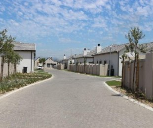 R 1,850,000 - 3 Bed House For Sale in Kraaifontein