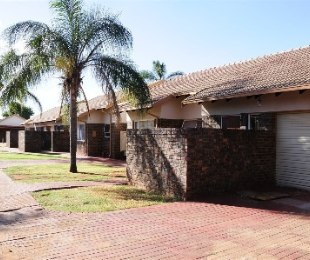 R 680,000 - 3 Bed Flat For Sale in The Orchards
