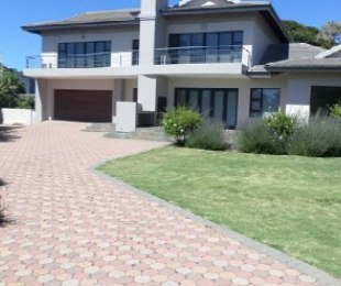 R 4,134,000 - 5 Bed Home For Sale in Mossel Bay