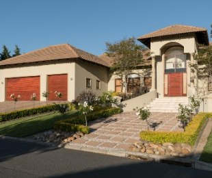 R 9,185,000 - 6 Bed House For Sale in Zevenwacht
