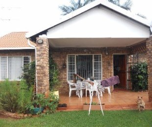 R 895,000 - 3 Bed Home For Sale in Hesteapark