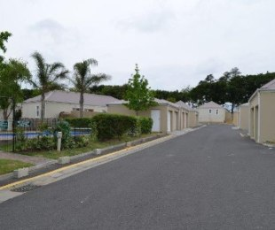 R 1,399,000 - 2 Bed House For Sale in Goedemoed