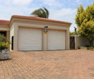 R 2,790,000 - 3 Bed House For Sale in Goedemoed