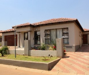 R 1,450,000 - 3 Bed Property For Sale in Amandasig