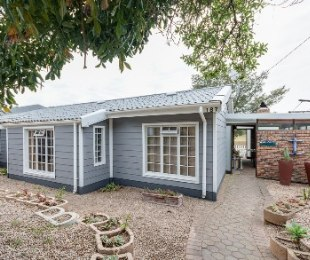 R 2,380,000 - 5 Bed House For Sale in Hartenbos