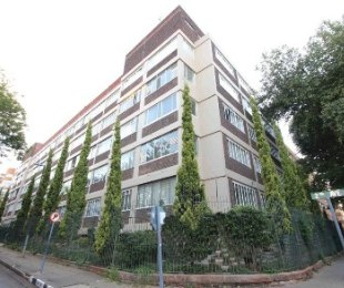 R 1,700,000 - 2 Bed Flat For Sale in Killarney
