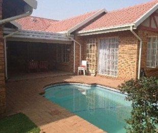 R 2,200,000 - 3 Bed House For Sale in Newmarket