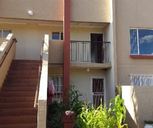 R 460,000 - 2 Bed Flat For Sale in Dorandia
