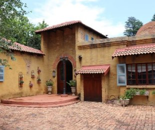 R 3,480,000 - 4 Bed House For Sale in Clubview