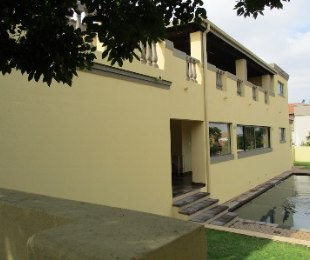 R 3,800,000 - 5 Bed House For Sale in Blue Valley Golf Estate