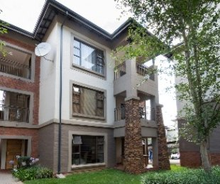 R 1,750,000 - 2 Bed Flat For Sale in Parkwood