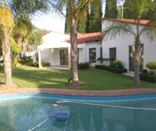 R 2,200,000 - 4 Bed House For Sale in Country View