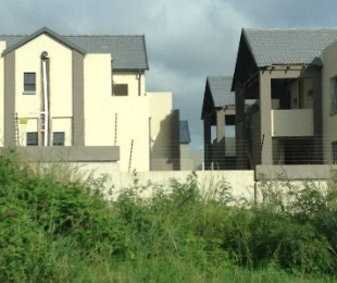 R 8,200 - 3 Bed Property To Let in Ruimsig