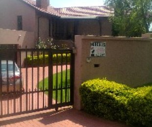 R 2,995,000 - 4 Bed House For Sale in Glenvista