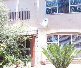 R 766,000 - 3 Bed Property For Sale in Dagbreek