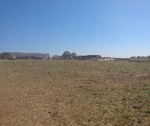 R 980,000 - 3 Bed Farm For Sale in Gardenvale