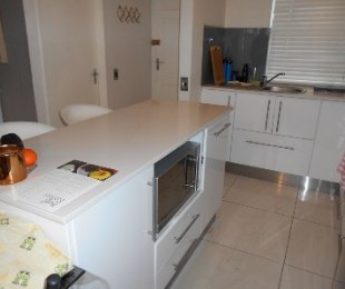 R 11,500 - 2 Bed Flat To Rent in Dieprivier
