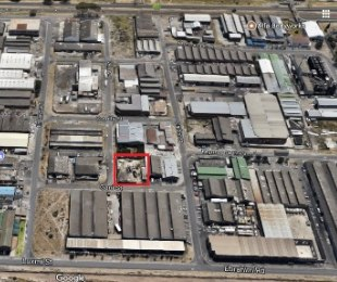 R 2,800,000 -  Commercial Property For Sale in Athlone Industria
