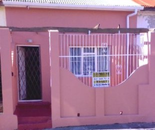 R 1,500,000 - 2 Bed Property For Sale in Woodstock
