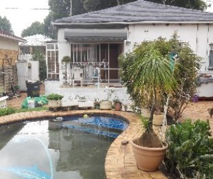 R 960,000 - 3 Bed House For Sale in Bezuidenhout Valley