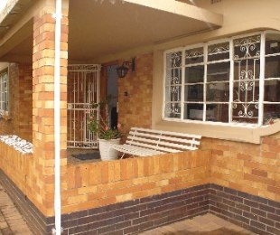 R 800,000 - 4 Bed Home For Sale in Primrose Hill