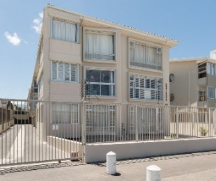 R 1,250,000 - 1 Bed Flat For Sale in Strand North