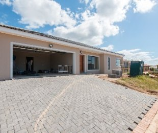 R 2,220,000 - 3 Bed Property For Sale in Hartenbos