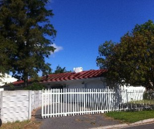 R 11,000 - 3 Bed House To Rent in Strand North