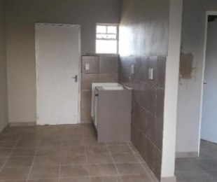 R 2,500 - 1 Bed Apartment To Rent in Chiawelo