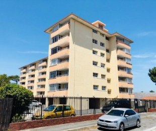 R 1,349,000 - 2 Bed Flat For Sale in Plumstead