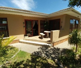 R 1,995,000 - 3 Bed Property For Sale in Gordon's Bay