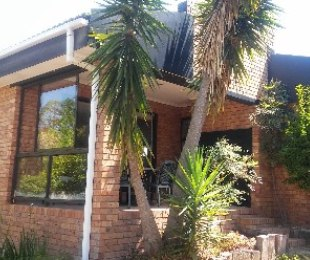 R 2,550,000 - 3 Bed House For Sale in Aurora