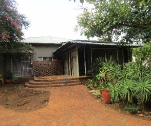 R 2,000 - 5 Bed Property To Let in Capital Park