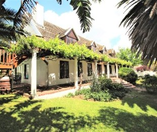 R 3,950,000 - 6 Bed Property For Sale in Sonstraal