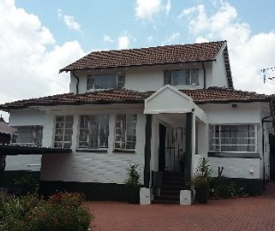 R 2,670,000 - 3 Bed House For Sale in Kensington