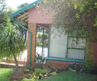 R 995,000 - 3 Bed House For Sale in Woodmere