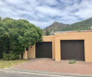 R 2,599,000 - 3 Bed Home For Sale in Hout Bay